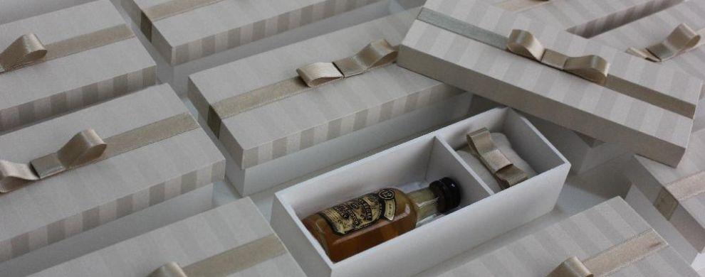 Caixa para mini bebida 50ml e bem casado